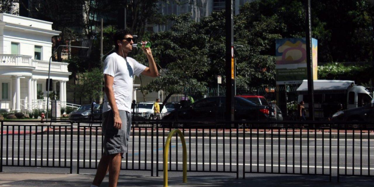 """<span class=""""entry-title-primary"""">Calorão em São Paulo antes de vários dias chuvosos</span> <h2 class=""""entry-subtitle"""">Muito calor entre esta quarta e a quinta-feira antecede uma sequência de dias com chance de chuva na capital paulista entre sexta e o começo da semana que vem</h2>"""