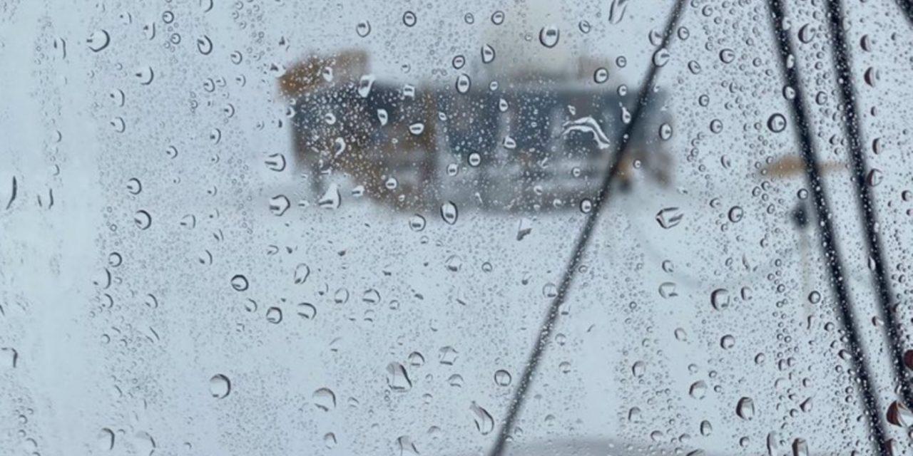 """<span class=""""entry-title-primary"""">Chove pela primeira vez no ponto mais alto da Groenlândia</span> <h2 class=""""entry-subtitle"""">Chuva seria um fato banal não fosse um lugar em que sempre que há precipitação ela ocorre na forma de neve ou gelo </h2>"""