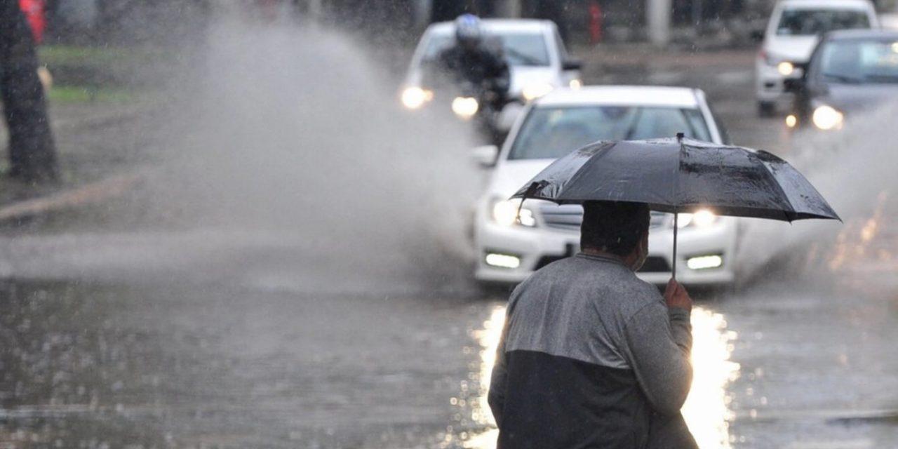 """<span class=""""entry-title-primary"""">Chuva supera 100 mm em Porto Alegre e no interior gaúcho</span> <h2 class=""""entry-subtitle"""">Quarta-feira de muita chuva trouxe volumes de 50 mm a 100 mm em muitas cidades com alagamentos e inundações </h2>"""