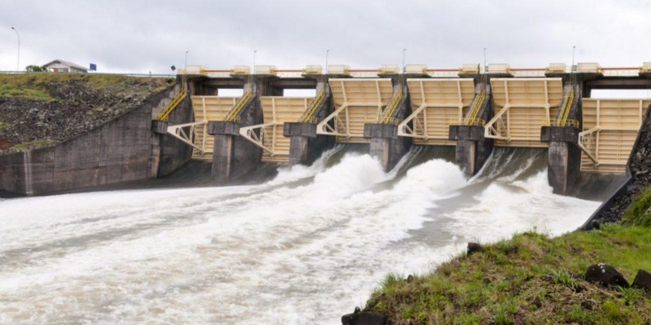 """<span class=""""entry-title-primary"""">Chuva volumosa no Rio Grande do Sul não impacta crise energética</span> <h2 class=""""entry-subtitle"""">Como que pode faltar luz se choveu um monte aqui? Este é um raciocínio equivocado de muitos no Rio Grande do Sul diante de crise energética do Brasil. </h2>"""