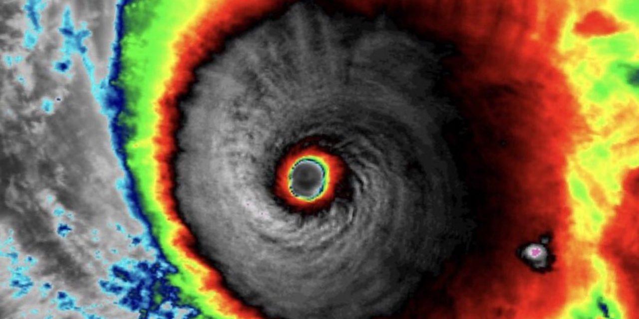 """<span class=""""entry-title-primary"""">Segundo pior furacão do ano no Atlântico traz imagens incríveis</span> <h2 class=""""entry-subtitle"""">Furacão Sam, agora com categoria 3, chegou a ser uma tempestade categoria 4 no fim de semana e seu olho gerou impressionantes imagens de satélite</h2>"""