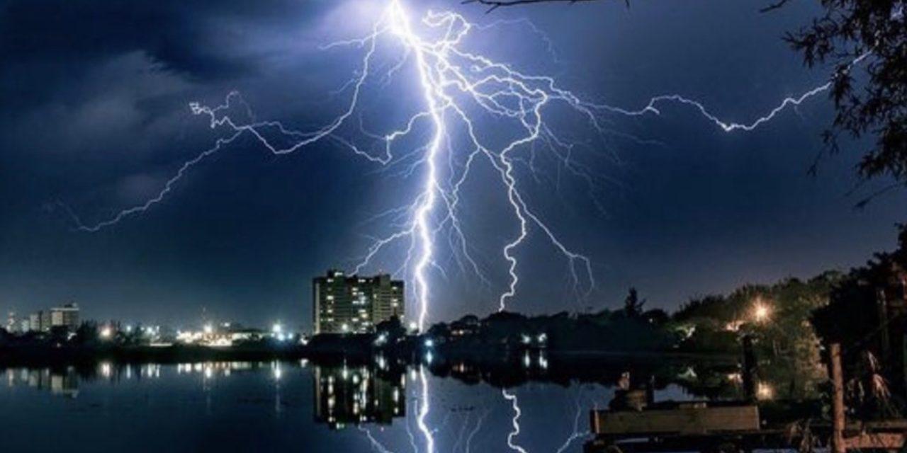 """<span class=""""entry-title-primary"""">Cenário perigoso de chuva e tempestades no feriadão de 7 de setembro</span> <h2 class=""""entry-subtitle"""">MetSul alerta para volumes muito elevados de chuva e alto risco de temporais no Rio Grande do Sul no feriadão da Independência</h2>"""