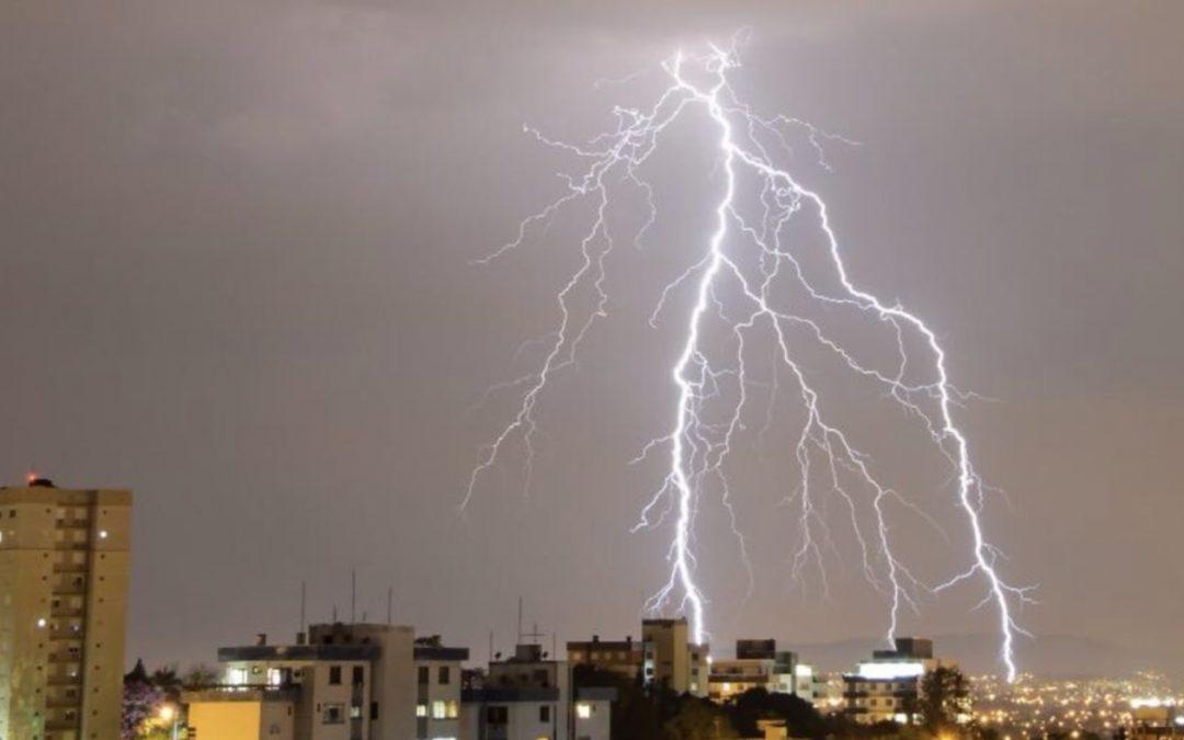 Feriado de muita chuva e fortes temporais de granizo, raios e vento MetSul alerta para um Dia da Independência de tempo severo no estado gaúcho com risco de danos em alguns municípios