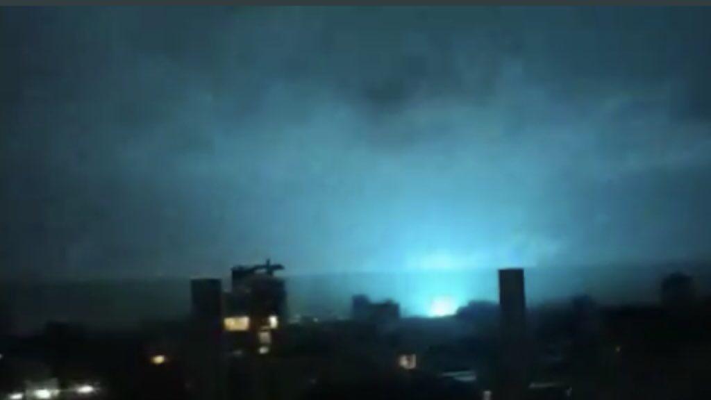 """<span class=""""entry-title-primary"""">O que foram as luzes no céu no terremoto do México?</span> <h2 class=""""entry-subtitle"""">Vídeos de grande clarões no céu durante e após o abalo sísmico causaram furor nas redes sociais e muitas especulações</h2>"""