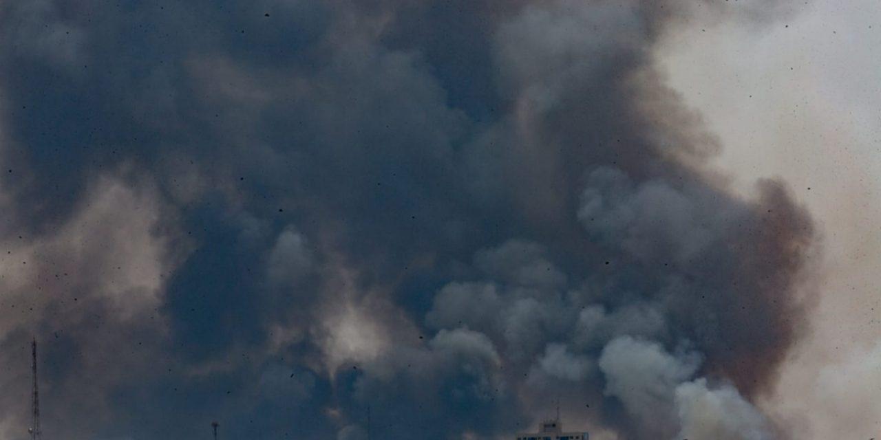 """<span class=""""entry-title-primary"""">Grande incêndio atinge Brasília com tempo seco e muito quente</span> <h2 class=""""entry-subtitle"""">Floresta Nacional de Brasília arde em meio a uma sequencia de dias de calor muito intenso e umidade perto de 10%</h2>"""