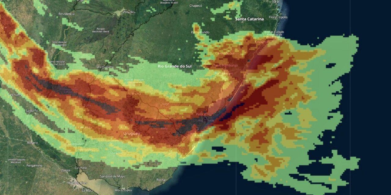 """<span class=""""entry-title-primary"""">Frente quente trará muita chuva e temporais entre o Rio Grande do Sul e o Uruguai</span> <h2 class=""""entry-subtitle"""">Frente quente começa a se formar hoje e instabilidade aumenta amanhã com chuva intensa, muitos raios e granizo</h2>"""