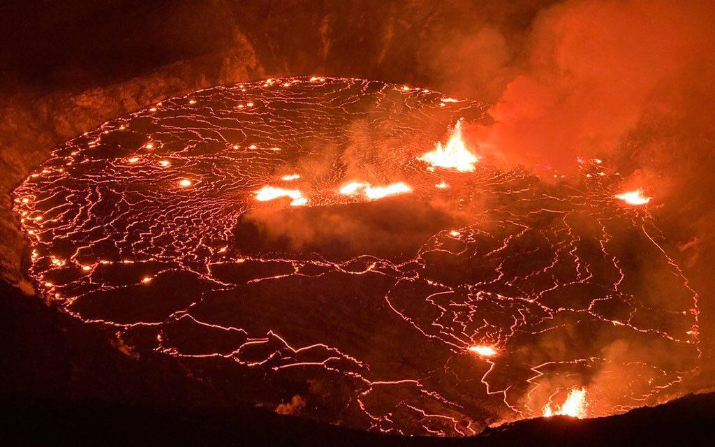 """<span class=""""entry-title-primary"""">Vulcão Kilaeua volta a entrar em erupção no Havaí</span> <h2 class=""""entry-subtitle"""">Nova erupção de um dos vulcões mais ativos do planeta teve início no final da segunda na Big Island do Havaí </h2>"""