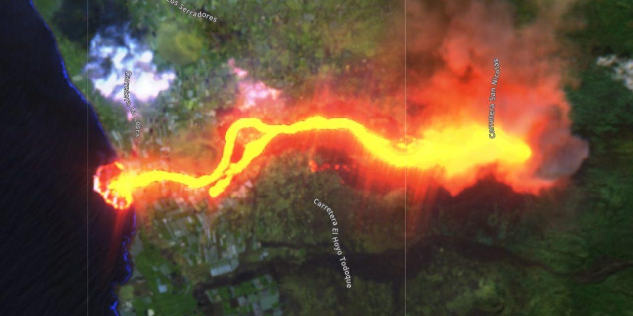 """<span class=""""entry-title-primary"""">Imagens de satélite mostram chegada da lava do vulcão ao Atlântico</span> <h2 class=""""entry-subtitle"""">Várias imagens de satélite, inclusive com visualização 3D da erupção, foram divulgadas mostrando a lava alcançando o mar</h2>"""