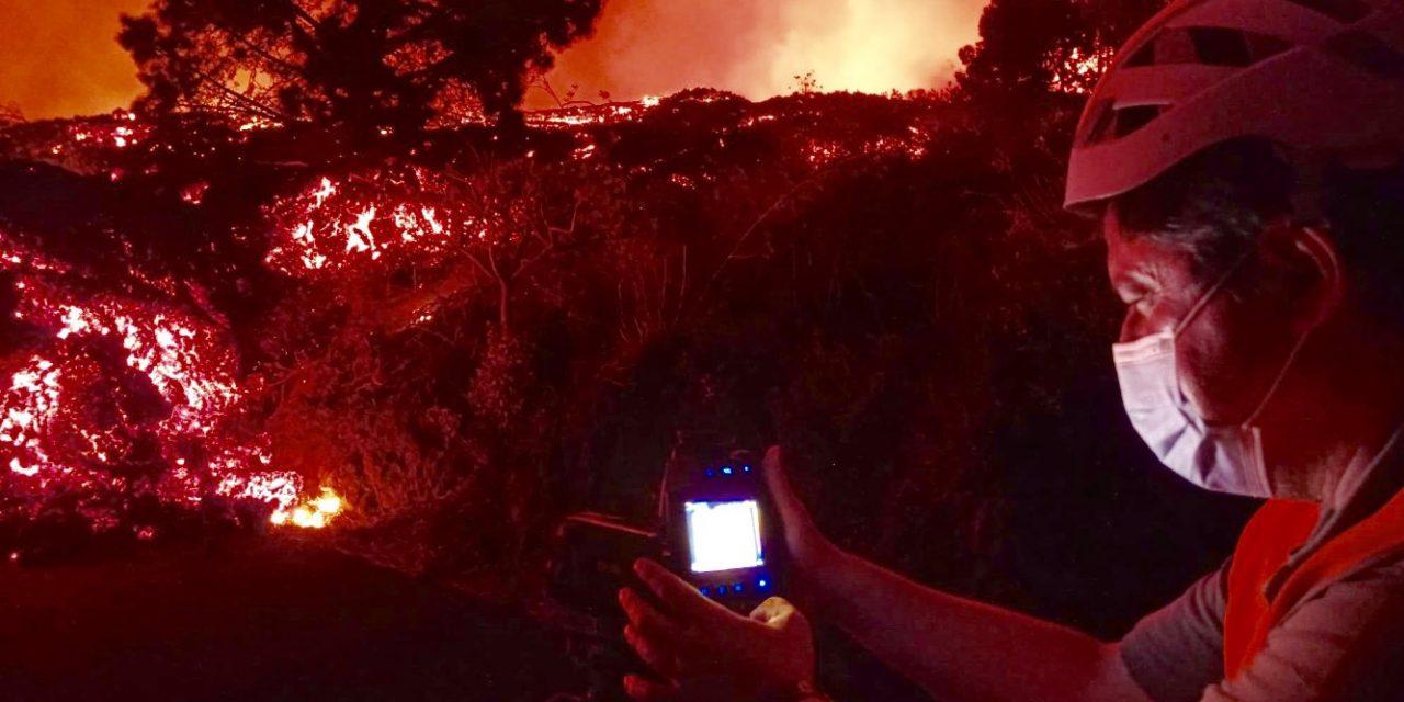 """<span class=""""entry-title-primary"""">A que temperatura sai a lava do vulcão em La Palma</span> <h2 class=""""entry-subtitle"""">Cientistas espanhóis medem constantemente a temperatura do magma para avaliar os rumos da erupção do Cumbre Vieja</h2>"""