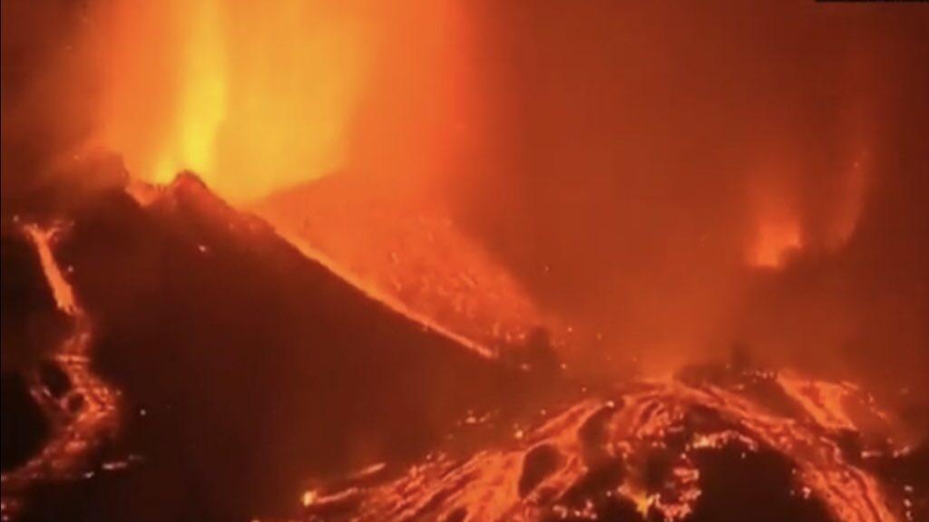 """<span class=""""entry-title-primary"""">Portugal emite aviso para a Madeira pela erupção do Cumbre Vieja</span> <h2 class=""""entry-subtitle"""">Vulcão em La Palma, nas Ilhas Canárias, entrou em erupção neste domingo pela primeira vez desde 1971 </h2>"""