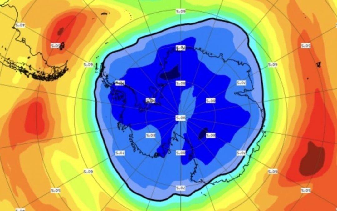 Buraco de ozônio de 2021 já é maior que a Antártida Buraco de ozônio deste ano repete a tendência de 2020 e apresenta dimensão maior do que o normal no Sul do planeta