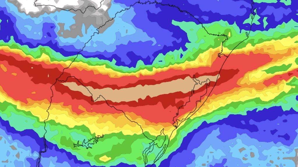 **ALERTA** Chuva excessiva, raios, granizo e vendavais MetSul alerta que período entre esta segunda e a quarta são de alto risco por tempo severo no Rio Grande do Sul com frentes quente e fria