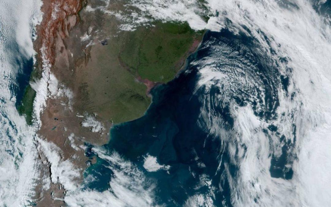 Ciclone impulsiona ar frio, temperatura cai e tempo abre com sol Rio Grande do Sul teve temperatura baixa nesta quarta-feira no Oeste e no Sul com ingresso de massa de ar frio