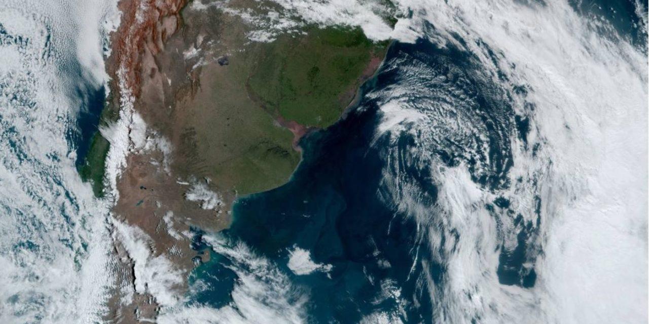 """<span class=""""entry-title-primary"""">Ciclone impulsiona ar frio, temperatura cai e tempo abre com sol</span> <h2 class=""""entry-subtitle"""">Rio Grande do Sul teve temperatura baixa nesta quarta-feira no Oeste e no Sul com ingresso de massa de ar frio</h2>"""