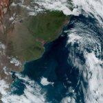 Ciclone impulsiona ar frio, temperatura cai e tempo abre com sol