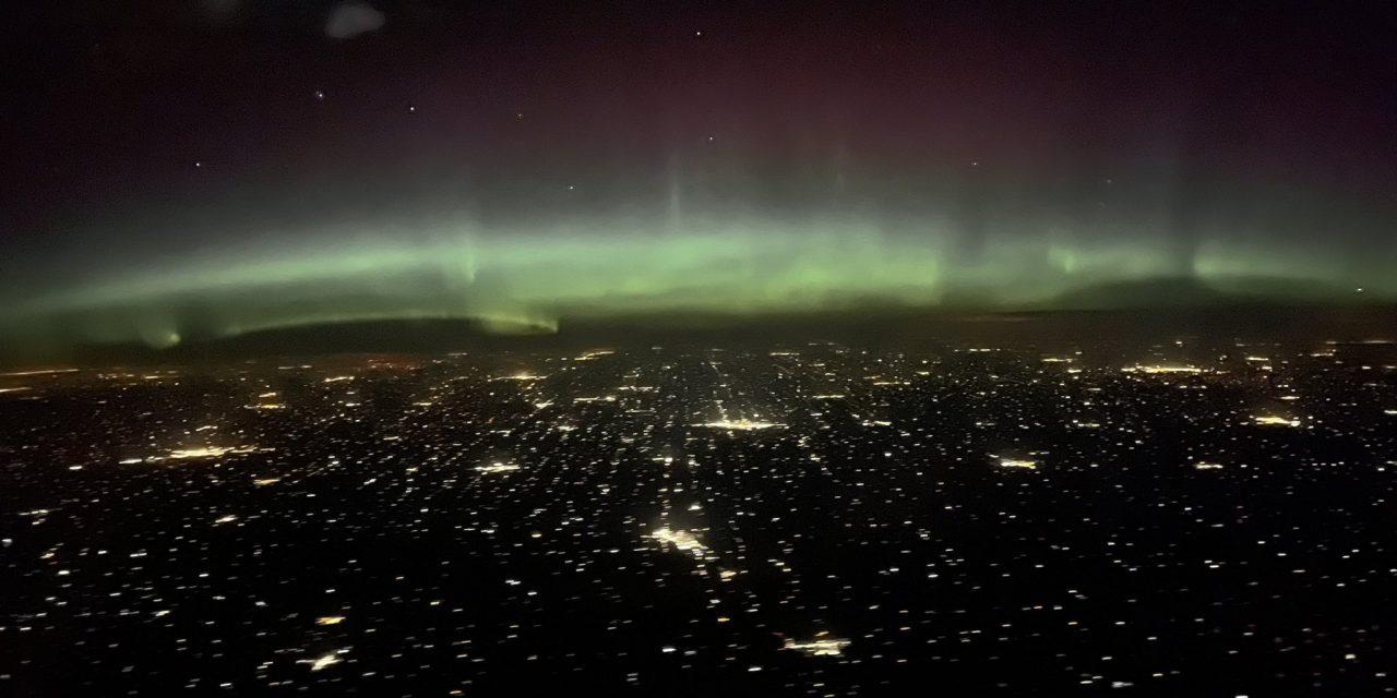 """<span class=""""entry-title-primary"""">Tempestade solar atinge a Terra com maior show de auroras em anos</span> <h2 class=""""entry-subtitle"""">Redes sociais foram inundadas de imagens no Norte dos Estados Unidos e no Canadá do céu verde pela aurora boreal</h2>"""