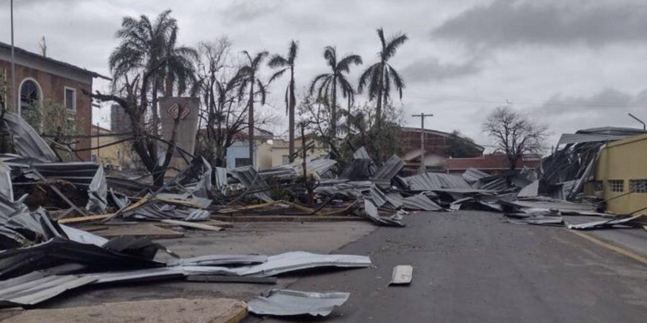"""<span class=""""entry-title-primary"""">Padrão atmosférico favorece mais tempestades fortes no Sudeste do Brasil</span> <h2 class=""""entry-subtitle"""">Violento temporal espalhou destruição no município paulista de Pirassununga durante o último fim de semana e pode se repetir na região.</h2>"""