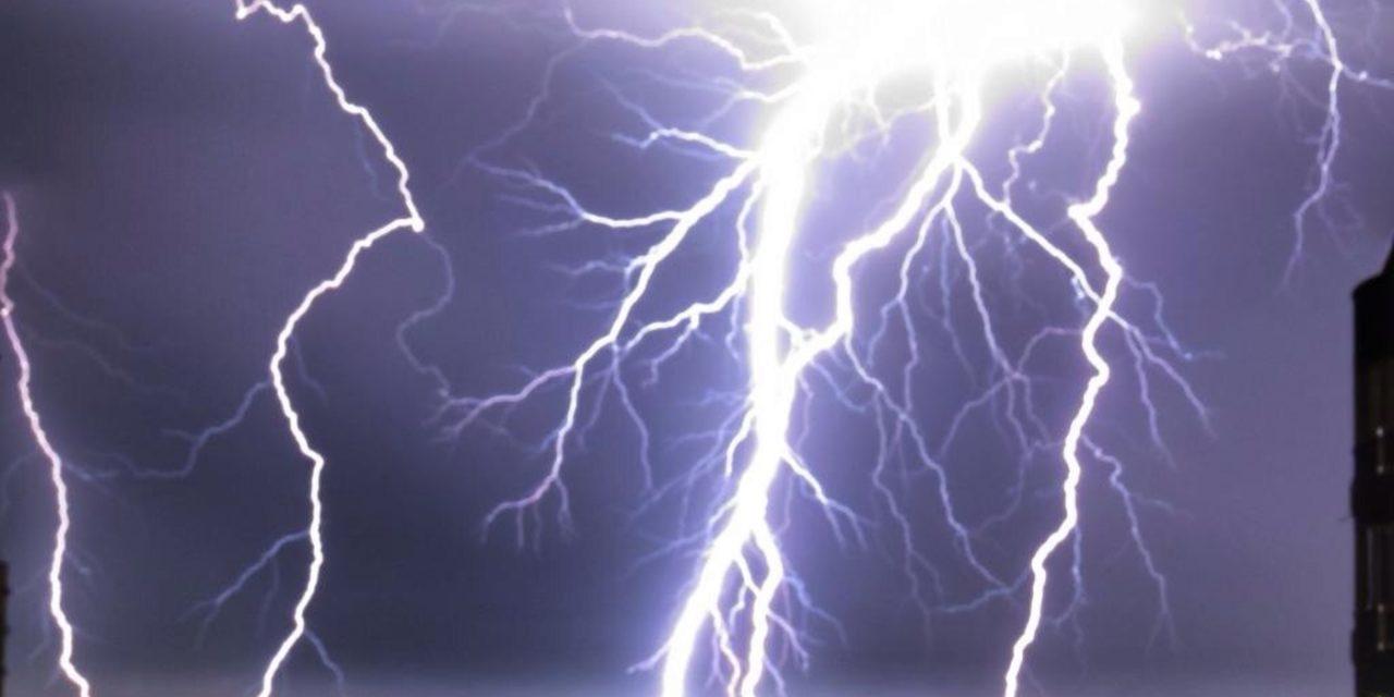 """<span class=""""entry-title-primary"""">Onda de tempestades atingirá o Centro-Sul do Brasil</span> <h2 class=""""entry-subtitle"""">MetSul alerta que um centro de baixa pressão e uma frente fria devem gerar uma onda de temporais em vários estados do Sul, do Centro-Oeste e da Região Sudeste</h2>"""