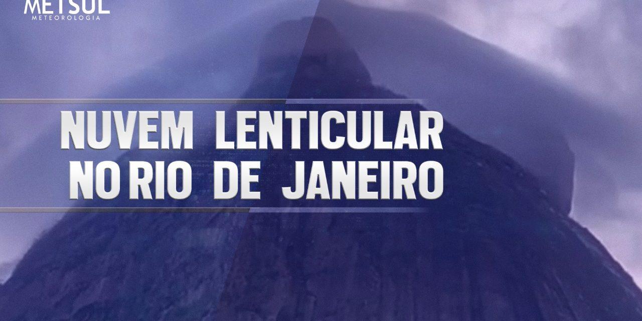 """<span class=""""entry-title-primary"""">Nuvem lenticular no Rio de Janeiro é registrada em incrível vídeo de time lapse</span> <h2 class=""""entry-subtitle"""">Nuvem lenticular com aspecto de chapéu no alto da Pedra da Gávea foi gravada em vídeo de time lapse </h2>"""