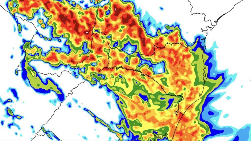 Veja a última previsão de chuva para hoje e amanhã Frente fria vai trazer chuva localmente volumosa e temporais neste sábado e durante o domingo nos três estados do Sul do Brasil
