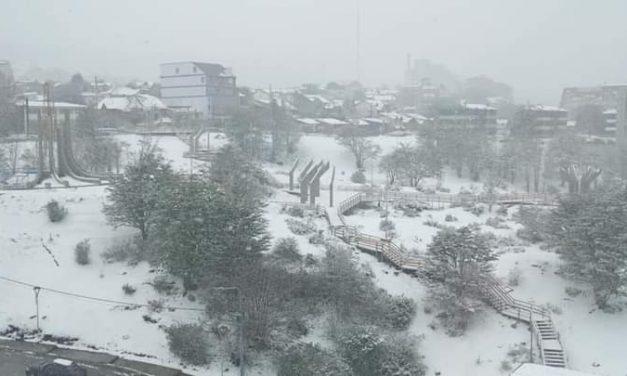 Tempestade de neve atinge o Sul do continente em plena metade de outubro