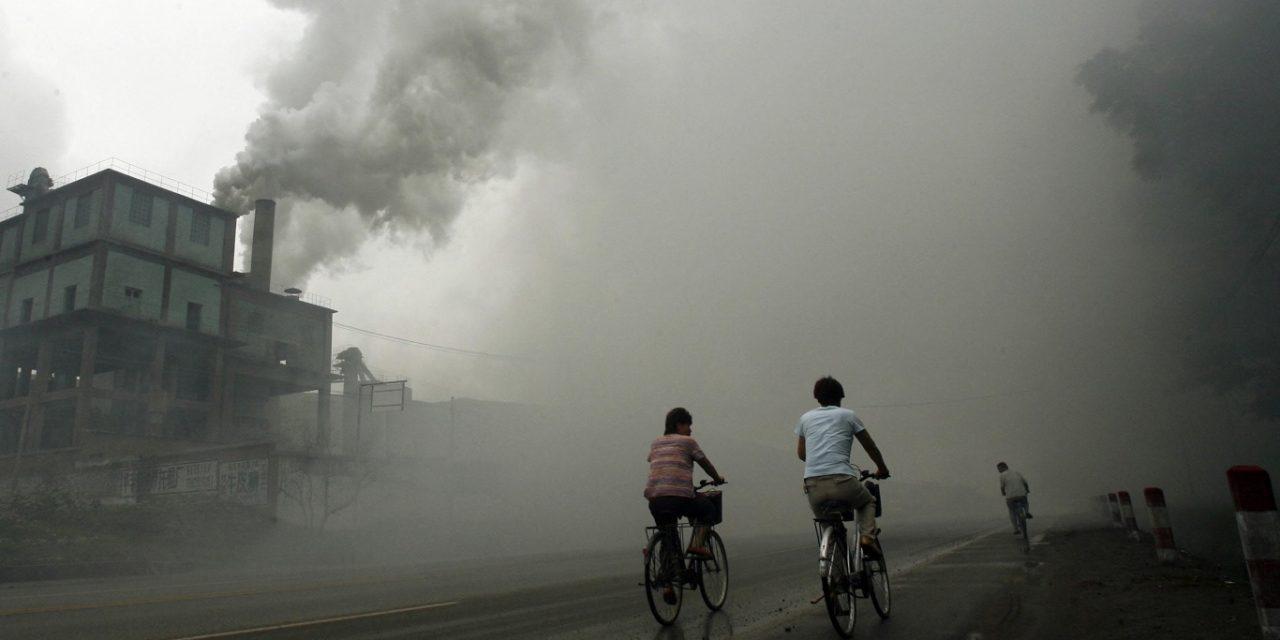 """<span class=""""entry-title-primary"""">Brasil no topo de ranking de países que mais emitiram CO2 na atmosfera</span> <h2 class=""""entry-subtitle"""">Análise incluiu pela primeira vez as emissões históricas desde o começo da Revolução Industrial e resultantes do uso da terra</h2>"""